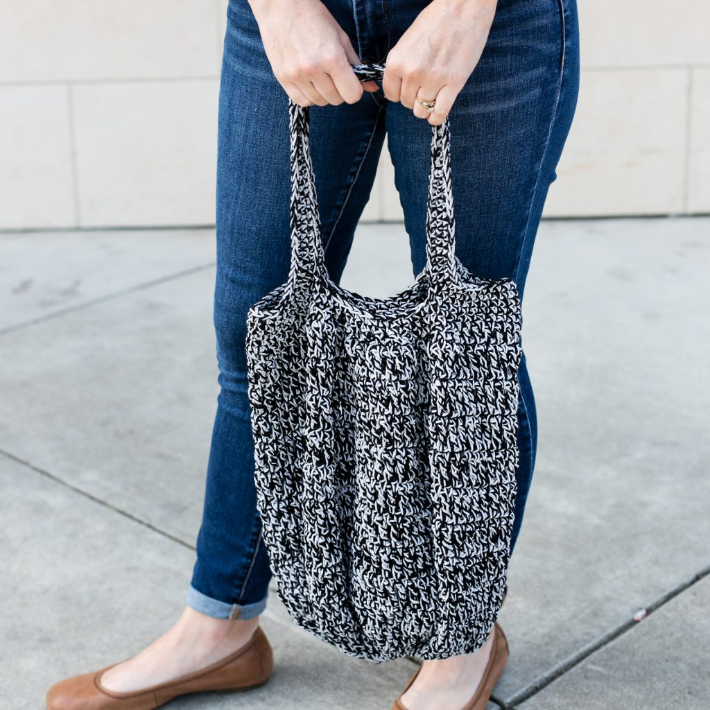 Marley tote bag free crochet pattern by Teal and Finch.