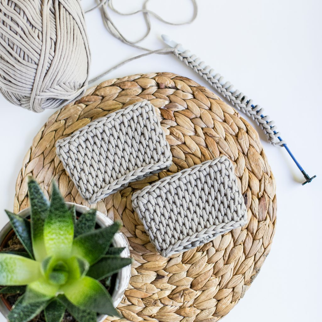 Learn Tunisian crochet with an easy coffee sleeve tutorial.